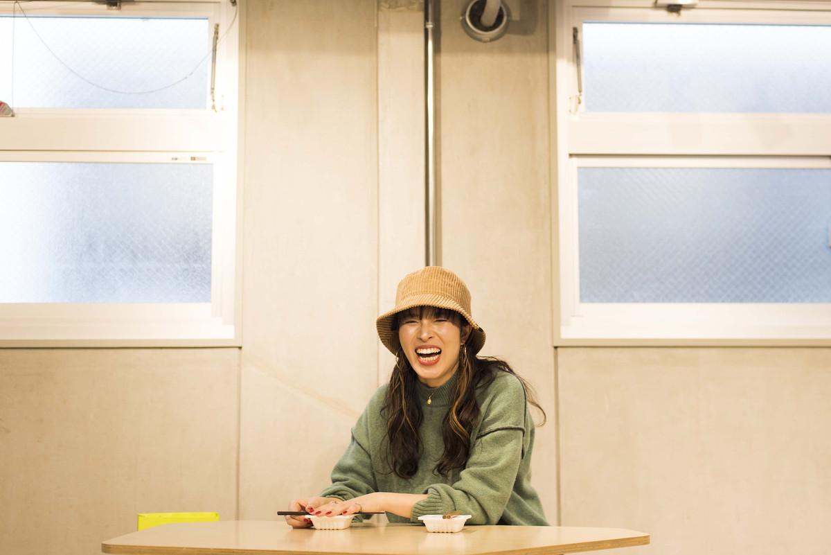 100BANCHで納豆の愛を語るなっとう娘 鈴木真由子さん